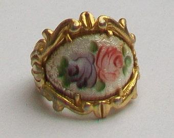 Enamel Flowers in Ornate Gold Tone Vintage Ring