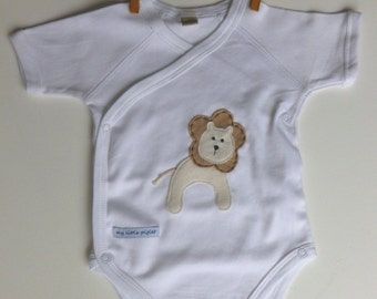 Organic bodysuit with baby lion applique size 0-3mths and 3-6mths