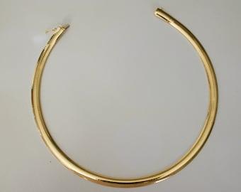 Solid 14k Omega Necklace. Beautiful solid 14k Omega Necklace.