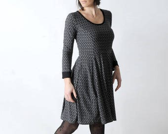 Flared jersey dress, Black paisley print dress with long sleeves, Fall fashion, Womens clothing, Womens dresses, MALAM