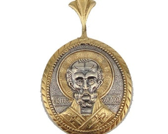 925 Sterling Silver & Yellow Gold Medal Saint Nicholas the Miracle Worker