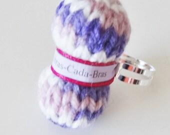 Ring of purple yarn (customizable)
