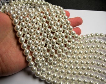 Pearl - 10 mm round - lustruous white - 1 full strand - 40 beads - SPT13 - Shell pearl