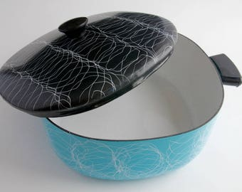 Enameled Steel Serendipity Spaghetti Designed Aqua and Black Dutch Oven