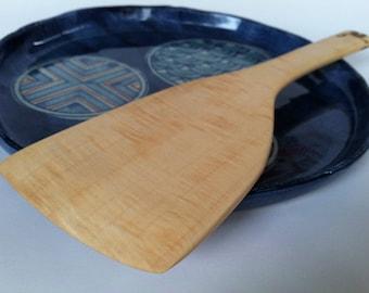 Reclaimed CURLY MAPLE spatula beautiful grain pattern
