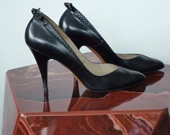 Vintage 1980s Black Leather Pumps with Bows