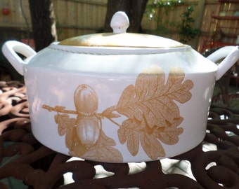 Vintage 222 Fifth Gold Leaves- Pinecone and Acorn Covered Casserole/Tureen/Bowl/Dish-Fall/Thanksgiving Serving