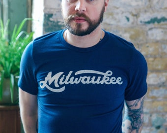 Milwaukee Retro Club Script Vintage Unisex T-Shirt. Slim Fit Navy Tee. Shirt for Men Women. Wisconsin Midwest Pride.