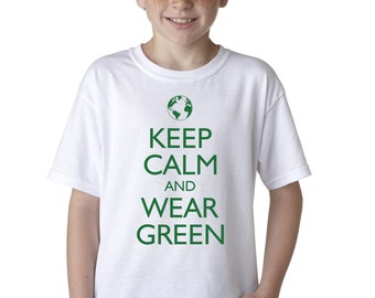Keep Calm and Wear Green Funny Environment T-Shirt for Juniors Earth Day Planet Tee
