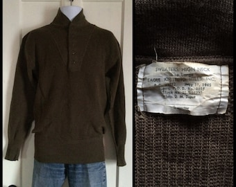Vintage 1940's WW2 High Neck Henley Sweater size Large Cats eye buttons, 1945 Eagle Knitting Mills greenish brown