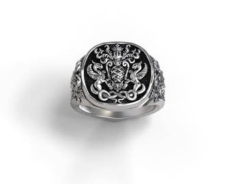 Coat of Arms/Family Crest Signet Ring - customizable - Sterling silver, Palladium, Gold, Platinum