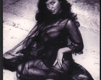 Bettie Page In Black Lace Trading Card : Spectratone Insert Card #ST5 21st Century Archives 1995