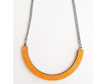 Mini curve necklace