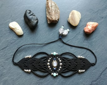 Bracelet macrame and gemstones