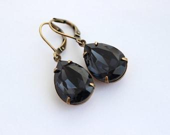Swarovski Graphite earrings, teardrop earrings, pear earrings, Grey Swarovski earring, dark grey earrings, gray earrings, 18x13 pear LG01