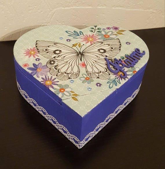 Heart shaped box I love you