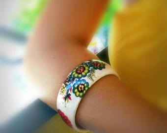 Flower bracelet, wide bracelet, cuff bracelet, bridesmaid bracelet, flower bangle, friendship bracelet, flower jewelry, recycled jewelry