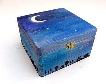 Large hand-painted Memorial Box, Sympathy gift. Personalised memorial keepsake box. Starry night design.