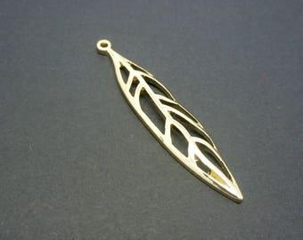 1 pendant long leaf 50 * 10mm light gold metal (XBD01)