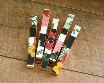 Photo Clips. Floral Magnets. Magnet Clothespins. Refrigerator Magnets. Gifts under 10. Housewarming Gift. Wedding Favors. Gift for Coworker.