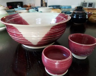 Set of salad bowl and salt and pepper dish. Handmade ceramics. Gourmet style and detail.