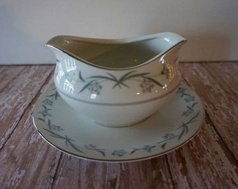 Vintage Gravy Boat, Meito China Glenora Pattern with Attached Underplate, Replacement China, Mid Century Gravy Boat
