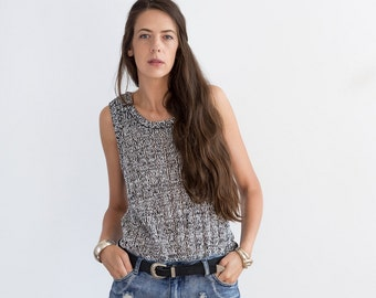 Monochrome sleeveless knit top vest / large xl / indie urban grunge boho mod blouse / 170
