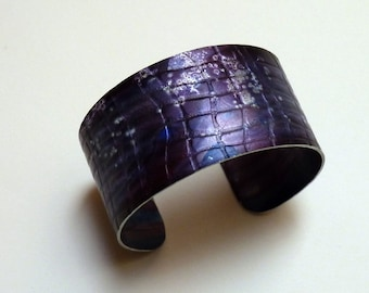 Purple bangle RESERVED FOR PATRICIA -  aluminium, cuff bracelet, textured, hand painted