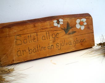 Vintage Swedish proverb wall decor Wooden Wall Plaque Hand painted Scandinavian wall decor Wall hanging Cutting board Shabby chic wall decor