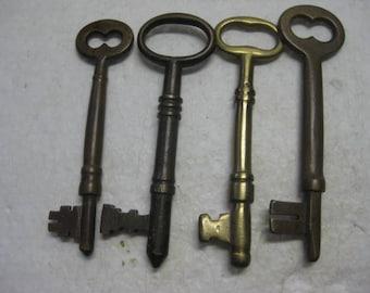 4 Antique Brass Skeleton Keys One Marked 12 #021818
