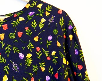 Navy Floral Vintage Oversized Blouse / Wildflower Bouquet Blouse / Bohemian Floral Slouchy Top