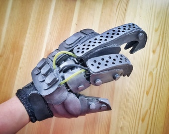 Imperator Furiosa Bionic Hand Robotic Foam Glove Mad Max Costume Cosplay