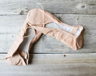 Vintage Ballet Shoes, Girls, Pink, Size 3.5,BLOCH, Dance Shoes,Youth, Flats