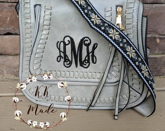 Monogrammed bag, monogrammed purse, monogrammed wallet, scallop purse, personalized bag, mother's day gift, bridal party gift, bridesmaid