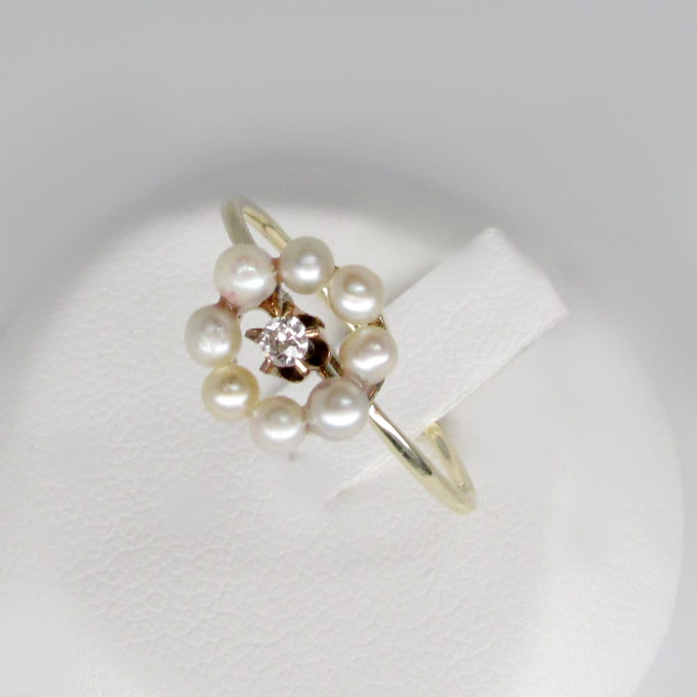 cut jewelry engagement flower cathedral in gold with round ring rose diamond white halo nl rg circular florid