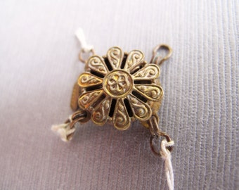 1pc Vintage Brass Flower Two Strand Clasp . Necklace Catch - Recycle -14.5mm - CB-52VPSB-294