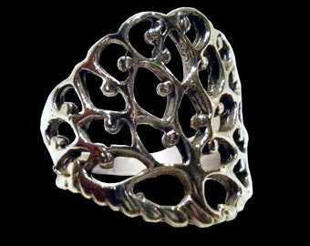 Tree of life ring - Sterling Silver Tree of life ring - powerful wisdom protection charm