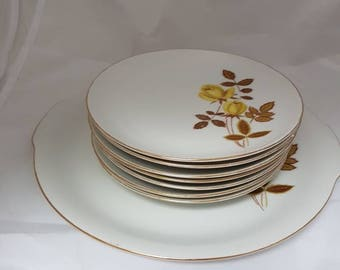 Vintage//Gebaksset//Set of 7 cake plates and 1 serving dish//winterling Bavaria//Yellow roses//brocant//in good condition