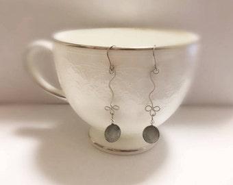 simple drop earrings/Minimalist Earrings/lightweight/two colors