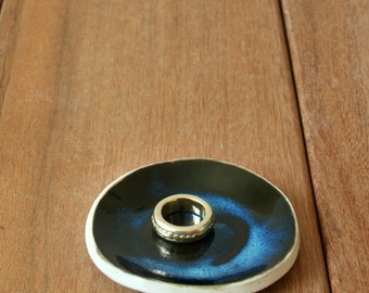Wedding Ring Holder, Black Ring Dish, Ceramic Ring Bowl, Wedding Ring Dish, Ring Pillow Alternative, Ceramic Ring Bearer, Anniversary gift