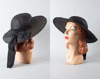 Vintage 1950s Style Sun Hat   70s Black Woven Straw Wide Brim Sheer Summer Picture Hat