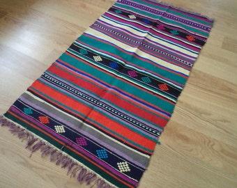 free shipping VINTAGE TURKİSH  kilim Anatolian handwoven kilim rug  decorative kilim - SİZE : 21'' X 38 '' (52 cm X 96 cm)