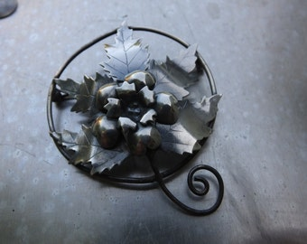 Sterling Silver Floral Circle Brooch
