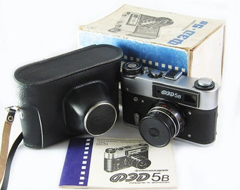 FED 5B Russian 35mm Film Leica Copy Rangefinder Camera Industar-61LD Lens BOX