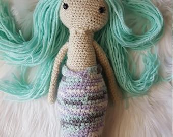 Crocheted Mermaid Doll/amigurumi