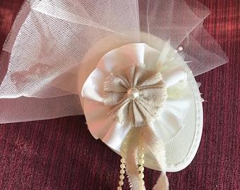 Cream/white Bridal Fascinator