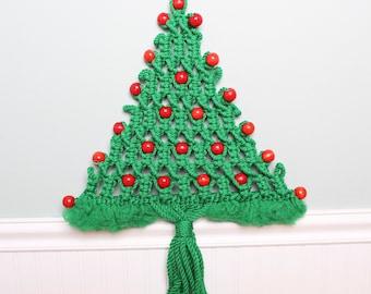 SALE 70s Christmas Vintage Macrame Christmas Tree Wall Hanging - Mid Century Christmas - Vintage Christmas Decor