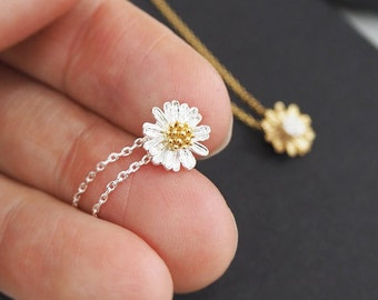Daisy flower necklace, flower girl necklace,  Bridesmaids Gift