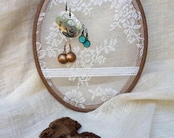 Oval Earring rack , Earring holder ,Earring stand ,Embroidery hoop with lace fabric ,Jewelry rack ,Size 11.6'' , earring organizer ,