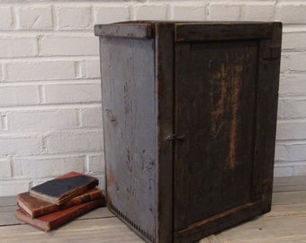 Antique Evaporated Milk Crate - Dovetailed - Lidded - St. Charles Illinois - Evaporated Milk Delivery - Shipping Crate - Borden